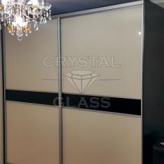 Шкаф купе со стеклом лакобель