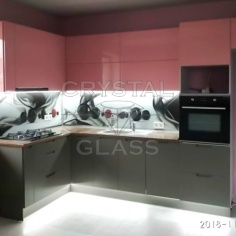 Кухонный фартук с каленого стекла