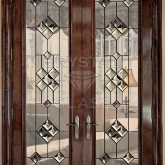 Двери с бевелсами