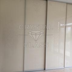 Шкафы купе со стеклом лакобель и пескоструйним рисунком