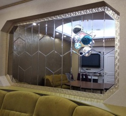 Зеркальная плитка с фаской